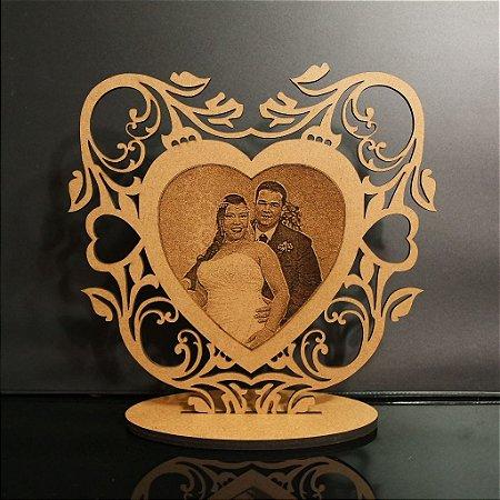 Topo De Bolo Personalizado com Foto Casal Gravado - Tamanho com 20cm (maior lado da peça) - MDF