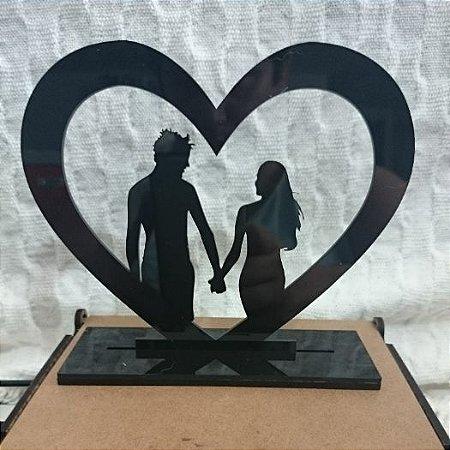 Topo De Bolo Casal no coração - com 14cm (maior lado da peça) - Cor à Escolher