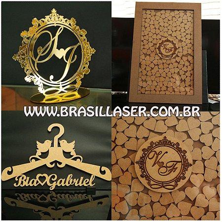 Kit Promocional: 1 Topo de bolo espelhado Dourado 20cm+ 1 Quadro de Assinaturas e Ganhe 1 Cabide Personalizados
