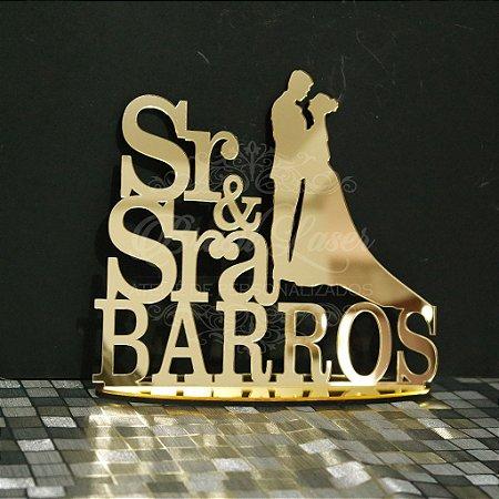 Topo De Bolo Casal Sr e Sra - Tamanho com 14 cm (maior lado da peça) - Cor à Escolher