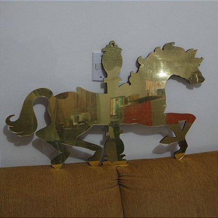 Cavalo de Carrossel em Acrílico espelhado Dourado 50x80cm