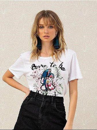 Blusa T-shirt com Bordado