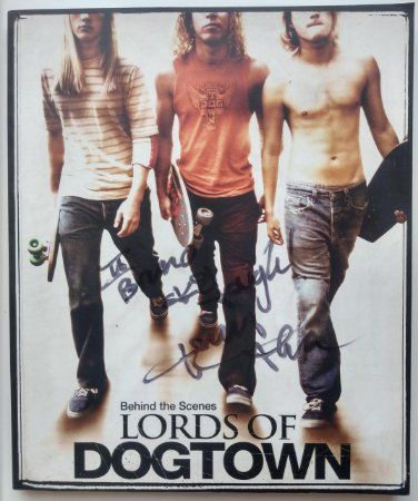 Livro Importado Behind The Scenes: Lords Of Dogtown ASSINADO NOMINAL