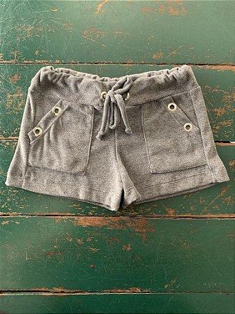Shorts Ilhos Plush Cinza