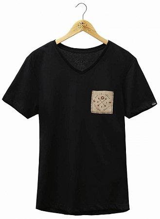 Camiseta Brasão Bolso Preta