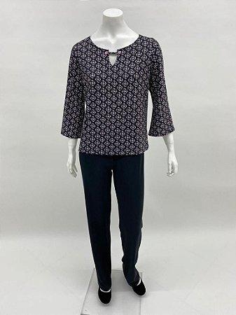 Blusa polielastano fit com botões estampa Lírios