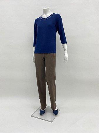 Blusa canelada básica decote com aplicação manga ¾