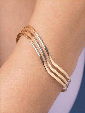 Bracelete fios lisos e design em V