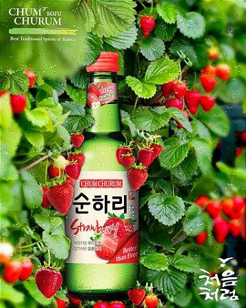 Soju Lotte Sabor Strawberry com Copo para Shot - 360ml