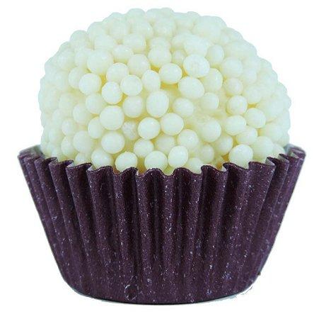 Brigadeiro Gourmet Crispy Branco com Chocolate Belga Branco - Receita Tradicional - Caixa Com 30 unidades