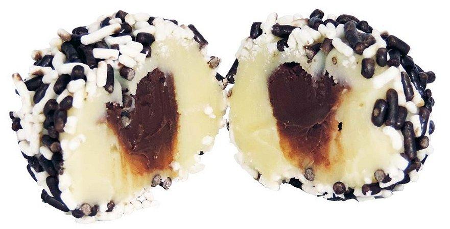 Brigadeiro Gourmet de Leite Ninho Com Recheio de Nutella - 30 Gramas Cada - Caixa Com 36 unidades