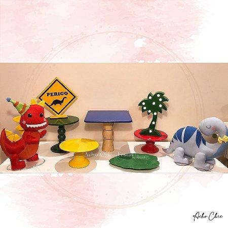 Kit Dinossauros Festeiros - Locação