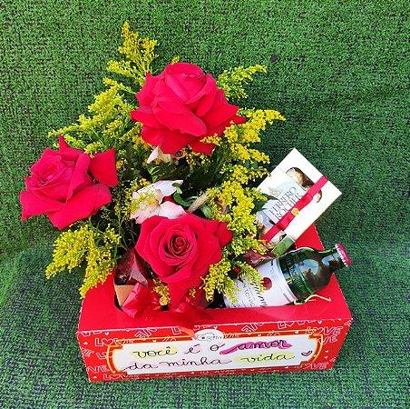 Bandeja de Rosas, Ferrero Rocher e Gin Tônica