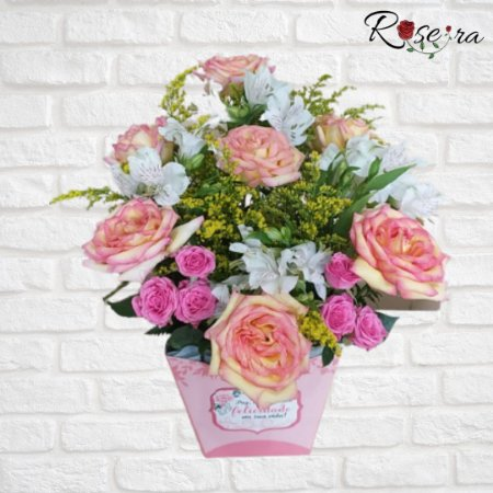 Arranjo de Flores Claras