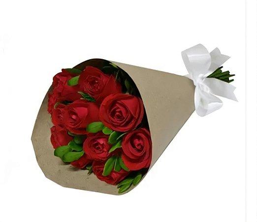 Bouquet de Rosas Vermelhas no kraft