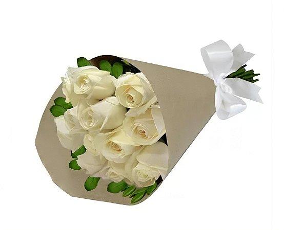 Bouquet de Rosas Brancas no kraft