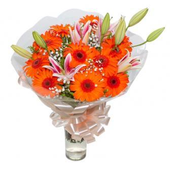 Bouquet de Gérberas Laranjas com Lírios