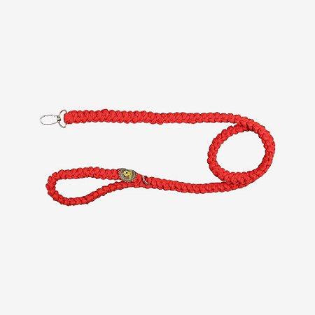 guia de fios de malha vermelha.