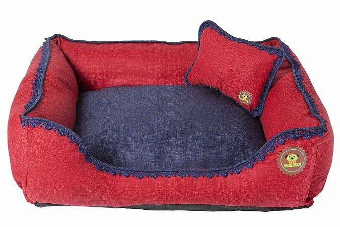 Cama tecido vermelho com renda azul