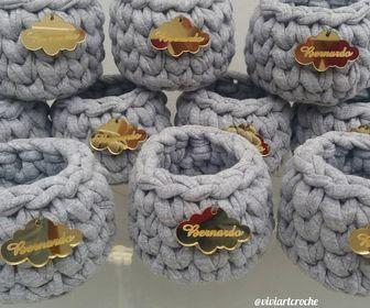 Cestinhos mini em crochê com etiqueta personalizada - (20 unidades)