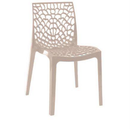 Cadeira Gruvyer Fendi em Polipropileno Vazada