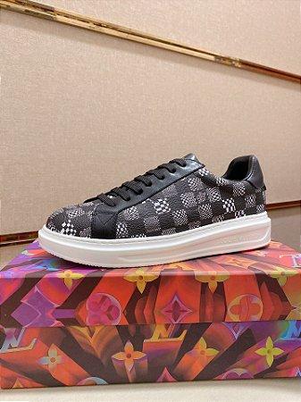 """Tênis Louis Vuitton Sneaker """"Black"""""""