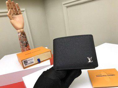 """Carteira Louis Vuitton Multiple Taiga """"Noir"""""""
