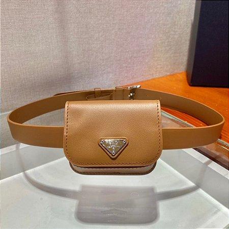 """Cinto Prada com Mini Bag """"Conhaque"""""""