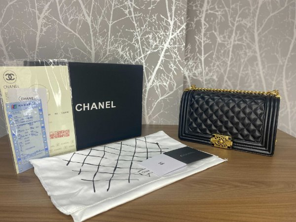 "Bolsa Chanel Boy Calf Leather ""Black & Black Details"" (PRONTA ENTREGA)"