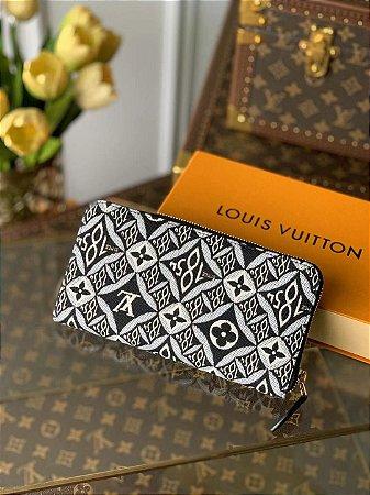 "Carteira Louis Vuitton Zippy Monogram Jacquard Since 1854 ""Cinza"""