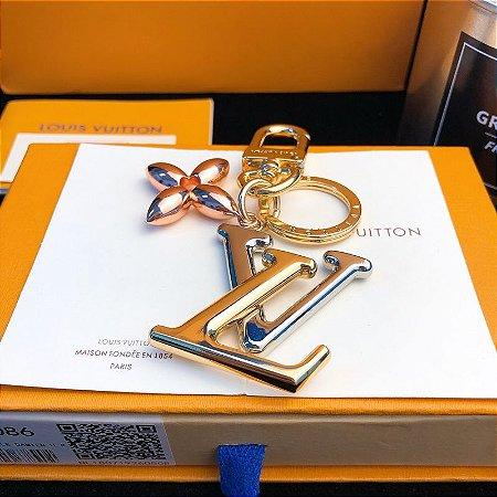 Chaveiro e Bag Charm Louis Vuitton New Wave