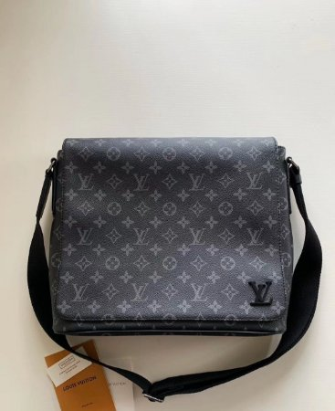"Bolsa Carteiro Louis Vuitton District Monogram Eclipse ""Black"""