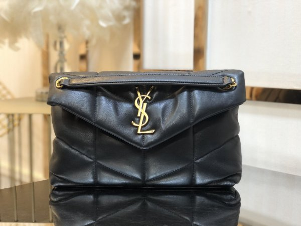 "Bolsa Saint Laurent Loulou Puffer ""Black&Gold"""