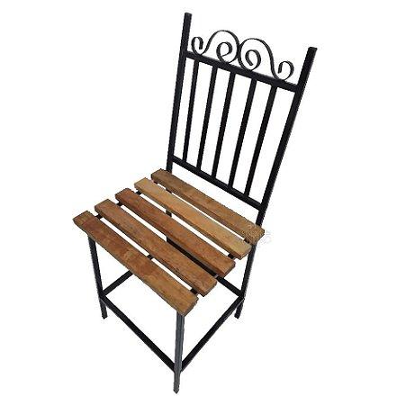 Cadeira ferro com madeira ripada