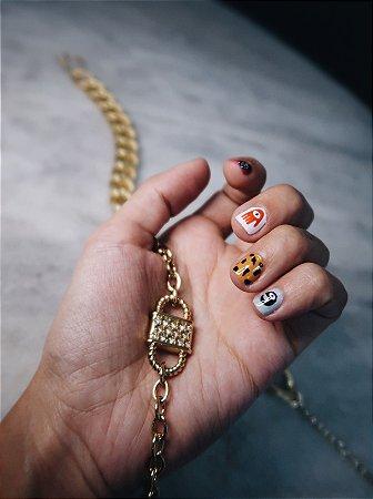 Colar cadeado dourado