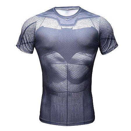 Camiseta Batman - Herói Mania  A Melhor Loja Nerd! 568e1a9b0501f