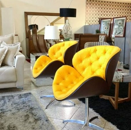Poltrona Decorativa Thais Capitonê Amarela