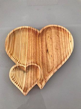 Petisqueira Tábua Madeira Coração Duplo