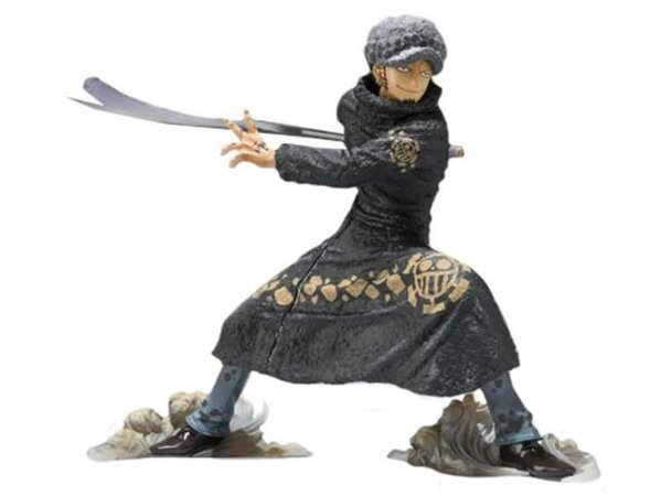 ACTION FIGURE TRAFALGAR LAW - BATTLE VERSION - UN