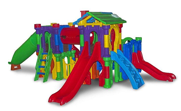 Playground Vila Medieval Freso com Escorregador Infantil