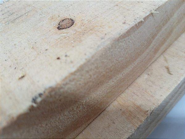Pinus 30cm x 4cm x 3,00m (bruta/seca) – peça