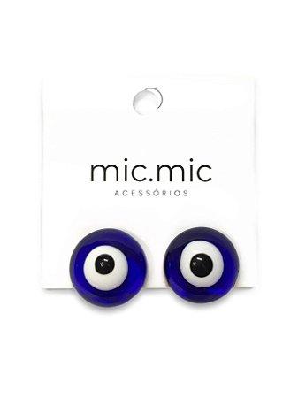 Brinco botão resina olho grego