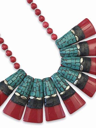 Colar indiano resina vermelho detalhes preto