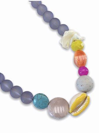 Colar bolas lilás concha com detalhe esmaltado