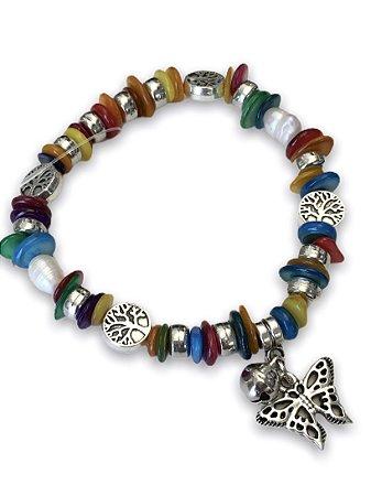 Pulseira murano color com pingente borboleta prateada