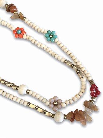Colar duplo bolinhas em madeira com detalhes flores cristais