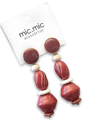 Brinco médio rose resina com botão esmaltado