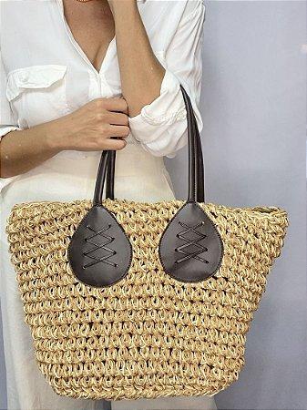 Bolsa palha com detalhe alça couro sintético