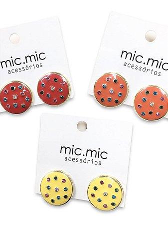 Brinco botão esmaltado com pedrinhas color zircônia
