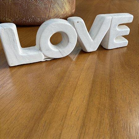 Enfeite Love Mármore em cerâmica